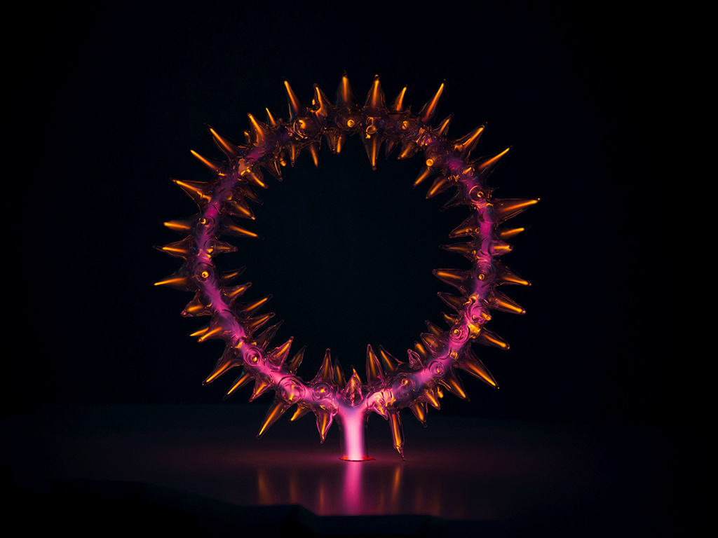 Crown of thorns Polish plasma neon art with red light
