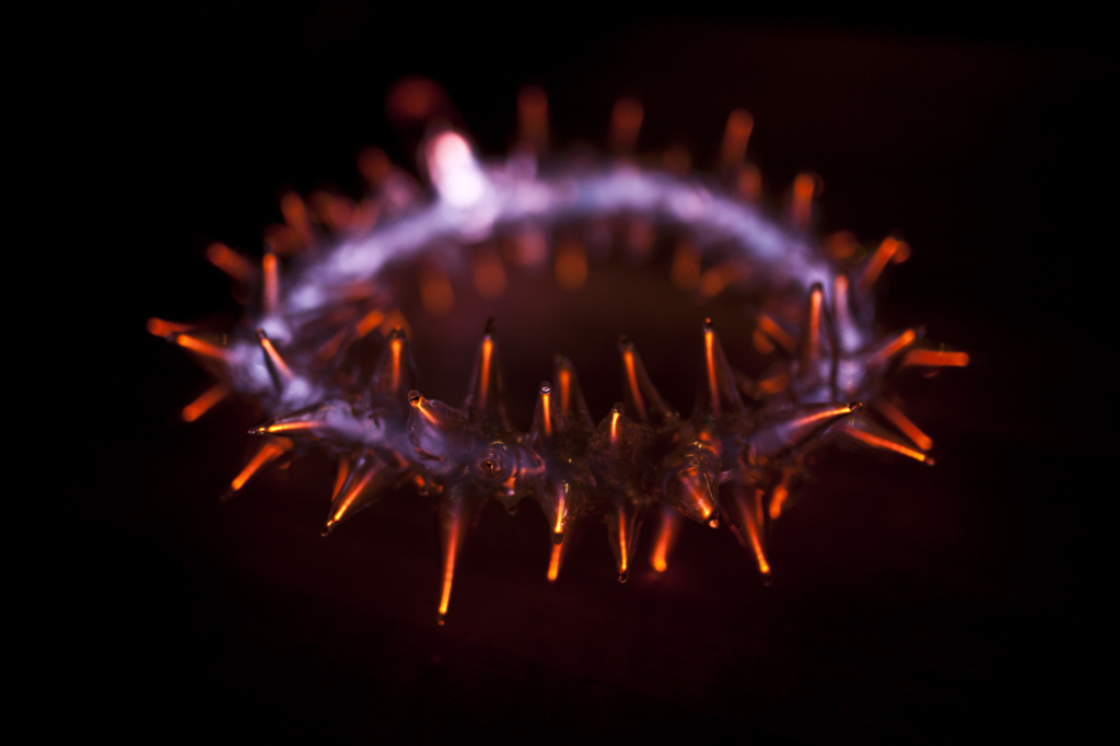 Crown of thorns plasma art glass sculpture